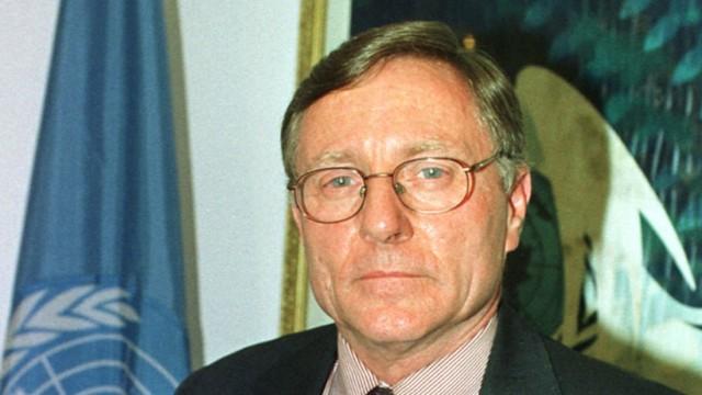 Hans von Sponeck in seinem UN-Büro in Bagdad