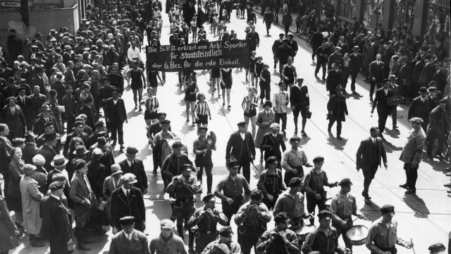 Demonstration zum Ersten Mai in Berlin, 1930