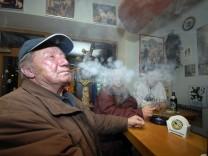 Raucher in Münchner Kneipe, 2008