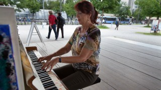 Klavier Neuperlach am Hanns-Seidel-Platz