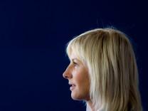 Ulrike Scharf steht wegen der Salmonellen-Affäre um Bayern-Ei unter Druck