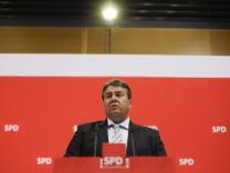 Sigmar Gabriel bei einer Pressekonferenz in Berlin.