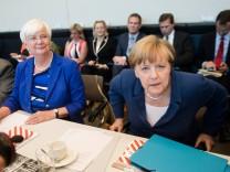 Sondersitzungen der Bundestagsfraktionen zur Griechenland-Krise
