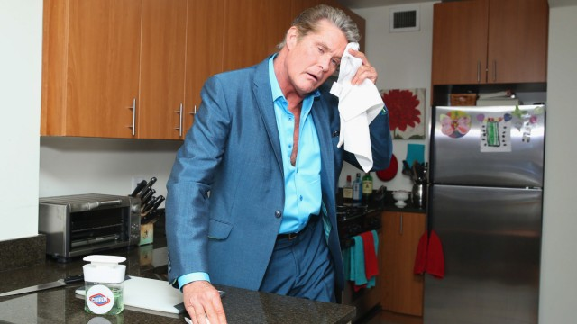 David Hasselhoff Surprises New Yorkers With Home Cleanings From Clorox And Homejoy