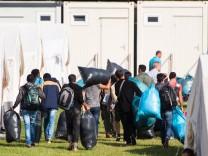Hamburg: Flüchtlinge ziehen in Unterkunft ein