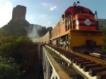 """Arte-Doku """"Mit dem Zug durch ... Bolivien"""""""