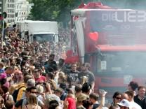 Demonstration Zug der Liebe