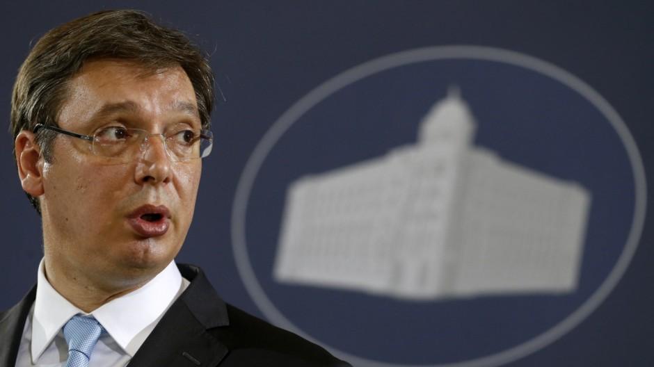 Aleksandar Vučić Serbischer Premier im Interview