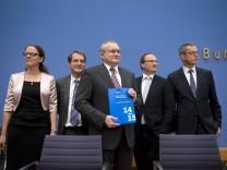 Jahresgutachten Wirtschaftsweise DEU, Deutschland, Germany, Berlin, 12.11.2014 Prof. Dr. Isabel Schn