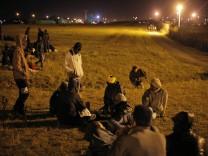 Flüchtlinge am Eurotunnel in Calais