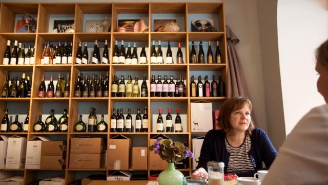 Vinothek Südhang - Wein-Laden-Café-Bar - München - Süddeutsche.de