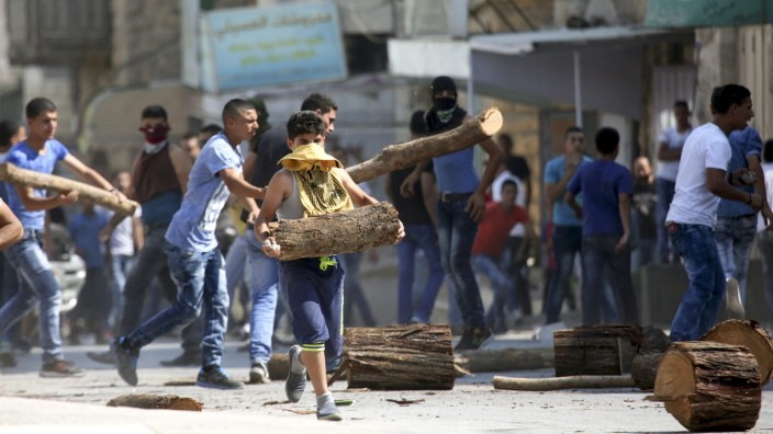 Protests after arson attack that killed Palestinian infant