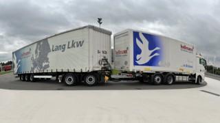 Ein Lang-Lkw, auch Gigaliner genannt