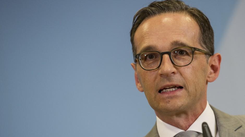 Justizminister Maas trennt sich von Generalbundesanwalt Range