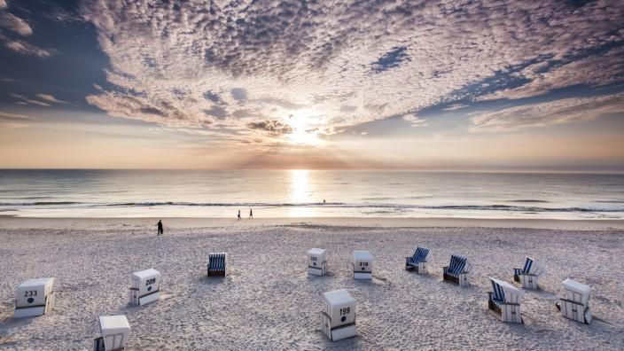 Sundown at beach, Kampen, Sylt Island, Northern Frisia, Schleswig-Holstein, Germany
