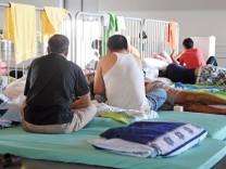 Karlsruher Messehalle als Flüchtlingsunterkunft