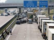 Sechs Tote bei Verkehrsunfall auf Berliner Ring