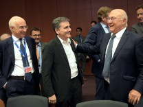 Vicenzo La Via, Euklid Tsakalotos, Michael Sapin in Brüssel