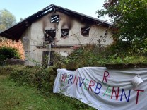 Abgebrannte Flüchtlingsunterkunft in Remchingen