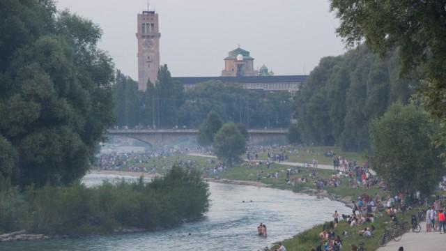 Sommerabend an der Isar in München, 2015