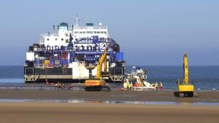 Verlegen von Kabeln für Offshore-Windpark an der Küste von Wales