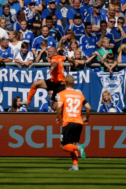 FC SCHALKE 04 GEGEN SV DARMSTADT 98 AM 22.08.2015 IN GELSENKIRCHEN