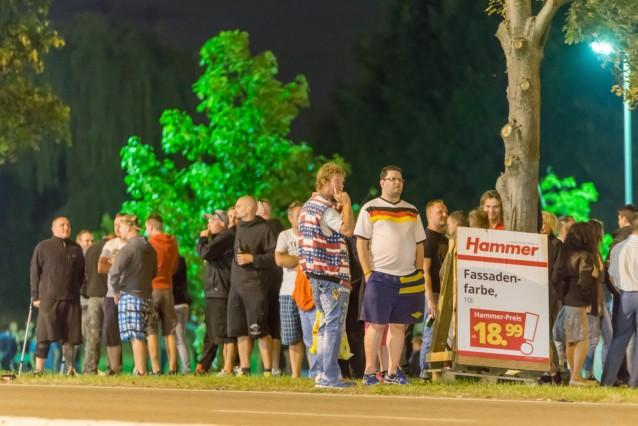 Rechte Randale in Sichtweite der Asylbewerberunterkunft in Heidenau
