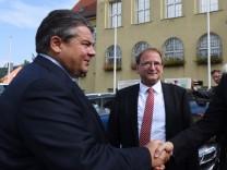 Bundeswirtschaftsminister Gabriel auf Sommerreise