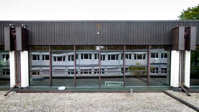 Ismaning, Besichtigung der Containeranlagen für das neue Gymnasium