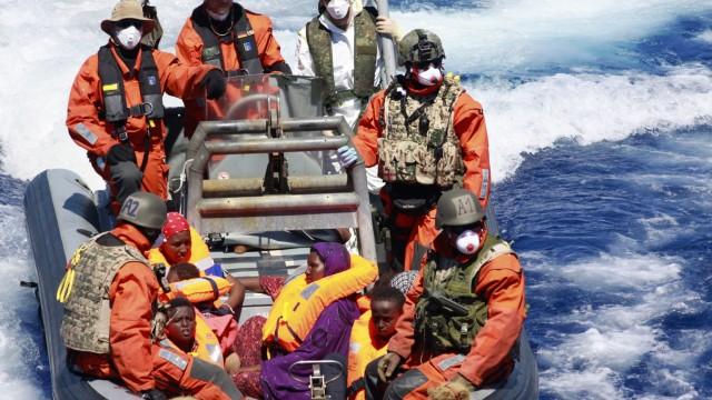 Baby Flüchtling Sophia Rettung Mittelmeer Mutter Rhama Marine Bundeswehr
