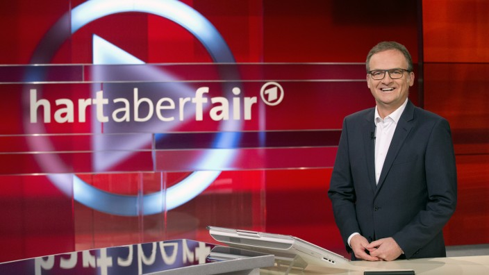"Frank Plasberg in ""hart aber fair"""