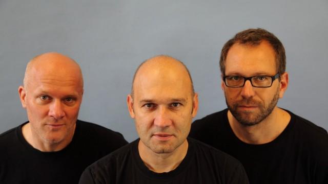 Trio Tango Transit