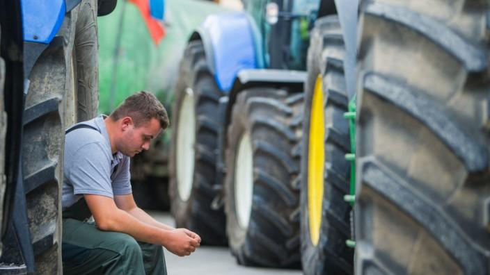 Milchbauern demonstrieren gegen Preisverfall