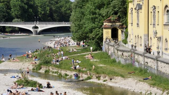 Sommer an der Isar in München, 2012