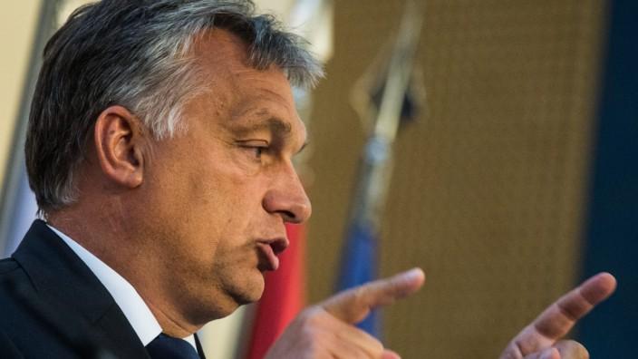 Visegrad Four countries migrant crisis special summit