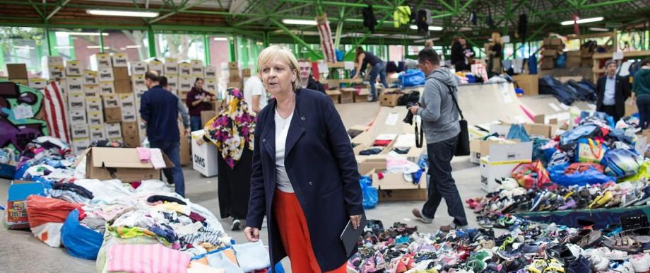Kraft besucht Betreuungsstelle für Flüchtlinge