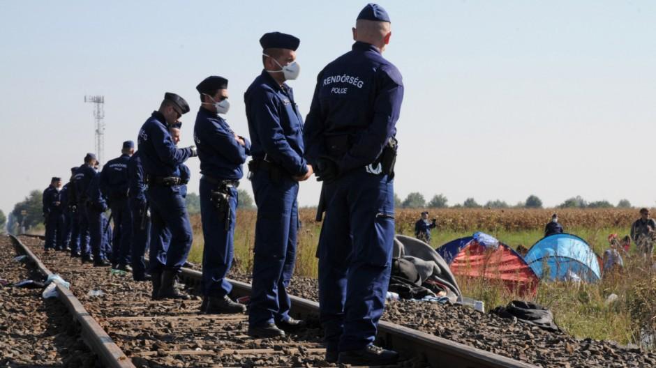 Flüchtlingslager an der serbischen Grenze bei Röszke