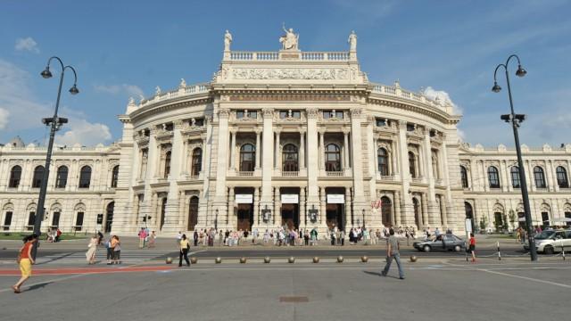 Burgtheater an der Ringstraße in Wien