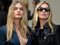 BESTPIX - Burberry Prorsum: Arrivals - London Fashion Week SS15