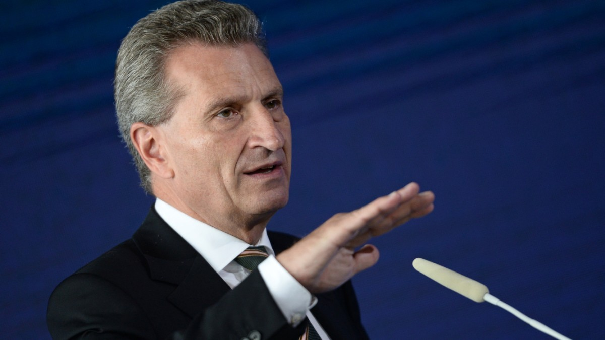 Oettinger: Leistungen für Asylbewerber in der EU angleichen