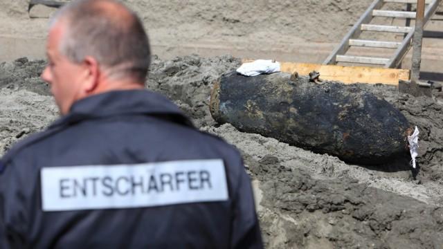 Fliegerbombe in der Elbe