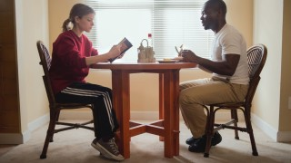 "Ashley Smith (Kate Mara) und Brian Nichols (David Oyelowo) in ""Captive""."