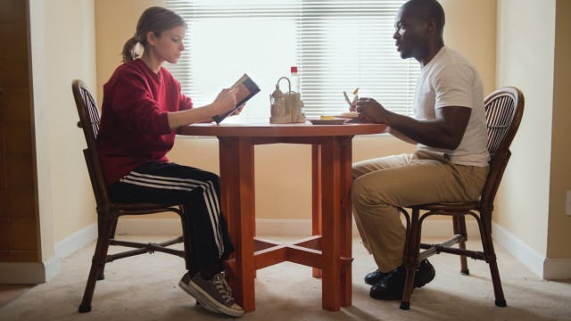 "Ashley Smith (Kate Mara) und Brian Nichols (David Oyelowo) in ""Captive""."