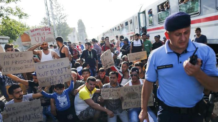 Migrants protest at the Tovarnik railway station, Croatia