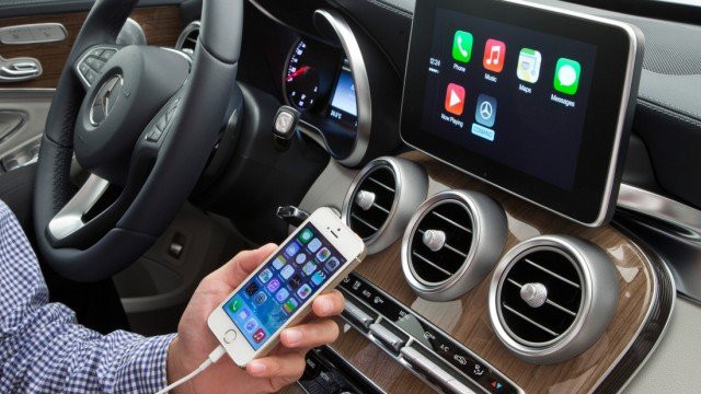 Apple CarPlay in der Mercedes C-Klasse.