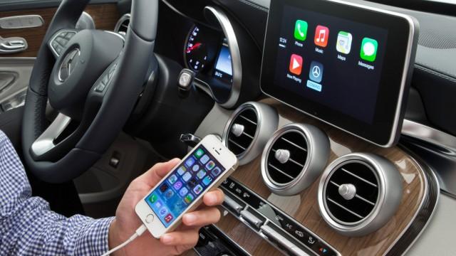 Apple CarPlay in der Mercedes C-Klasse.