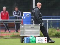 08 09 2015 Hannover Fussball Fußball Bundesliga Saison 2015 2016 Hannover 96 Training Trainer