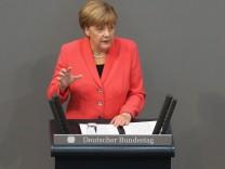 Merkel Gives Government Declaration Following EU Refugees Summit
