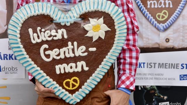 """Aktion """"Wiesn-Gentleman"""" von Condrobs auf dem Münchner Oktoberfest, 2015"""