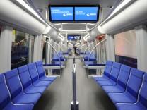 Ein neuer U-Bahn-Zug vom Typ C2 in München, 2014